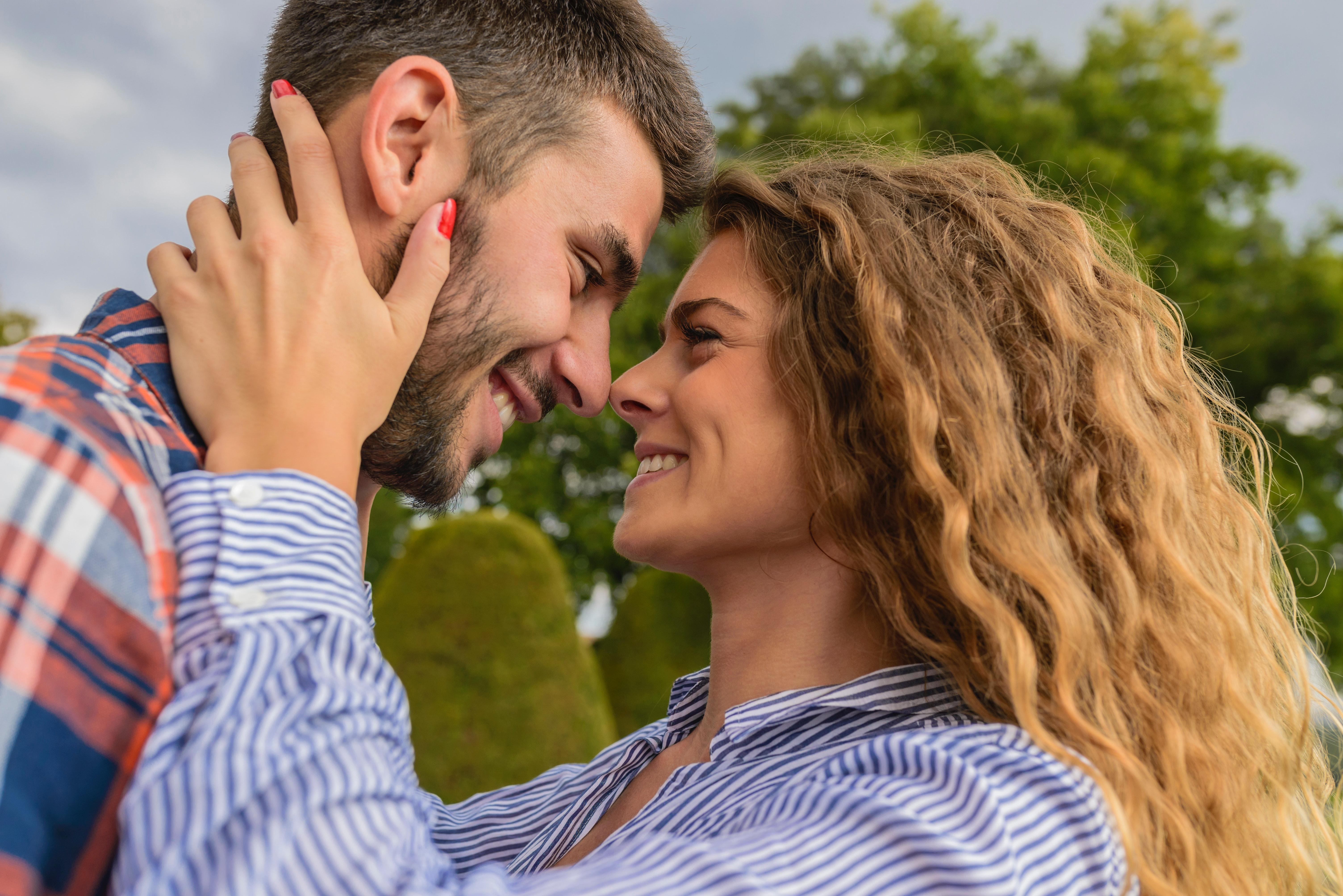 10 schöne Komplimente die jeder gerne hört - Partnerboerse.co
